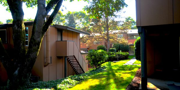 Knoll West Apartments - Portland, Oregon